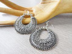 Boucles d'oreille charms lune  Boucles d'oreille par JewelryByPlk