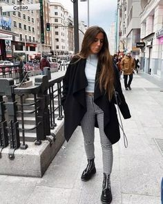 charming teen winter outfits to copy now 24 ~ my.me charming teen winter outfits to c. Winter Outfits For Teen Girls, Stylish Winter Outfits, Winter Outfits Women, Casual Outfits, Cute Outfits, Trouser Outfits, Outfit Winter, Office Outfits, Look Fashion
