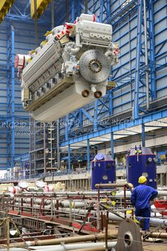 Quantum of the Seas engine. This great early build photo, as well as the other similar ones, were taken by Ingrid Fiebak, the official photographer at Meyer Werft Papenburg.