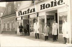 Bata Store next to the Barber shop, Blovice (Czech Republic), 1928 Bata Shoes, Vintage Advertisements, Barber Shop, Czech Republic, Vip, Advertising, Retro, Store, Historia