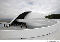 Brazilian architect Oscar Niemeyer
