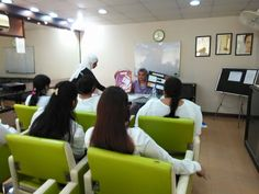 Masarrat Misbah instructing a class at #Depilex beauty clinic & institute, Dha #Lahore. #DepilexLive #MM #Hair #Makeup #Pakistan