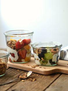 As frutas típicas do verão são ótimas para criar receitas diferentes, saborosas e frescas. Hoje partilho convosco como fazer frutas de verão maceradas.