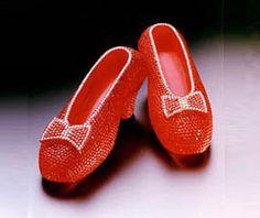 Eine der teuersten Schuhe der Welt ... so ein Paar würde ich bestimmt nicht ausziehen! http://most-expensive.net/womens-shoes