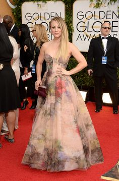 Kaley Cuoco | Fashion On The 2014 Golden Globes Red Carpet