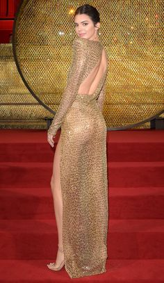 Kendall Jenner Bares All in Gold Mesh Gown at 2018 British Fashion Awards British Fashion Awards, Tulle Ball Gown, Ball Gowns, Celebrity Dresses, Celebrity Style, Kendall And Kylie Jenner, Classy Women, British Style, Fashion Pictures
