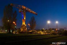 Image associée Ciel, Cn Tower, Building, Image, Travel, Nantes, Night, Board, Viajes