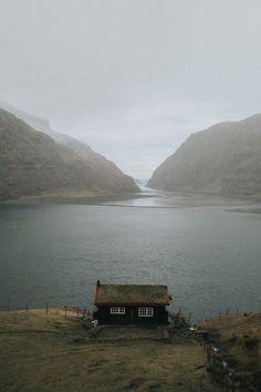 lsleofskye:  Faroe island cabin