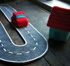 Crochet car and track Isabelle Kessedjian: The serial crocheteuses : une voiture Crochet Amigurumi, Crochet For Boys, Knit Or Crochet, Crochet Crafts, Crochet Dolls, Crochet Projects, Crochet House, Crochet Mignon, Crochet Animals
