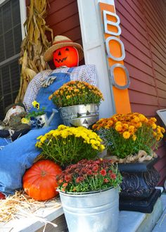 Greet guests to your home with a fun front porch vignette. Colorful pumpkins and mums, DIY scarecrows and jack-o'-lanterns set the stage for fall entertaining. Learn how we made this scarecrow at The Home Depot's Garden Club.