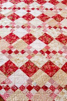 Patchwork quilt patterns - Share a Little Love – Patchwork quilt patterns Pink Quilts, Scrappy Quilts, Easy Quilts, Bed Quilts, Star Quilts, Quilting Projects, Quilting Designs, Quilting Ideas, Irish Chain Quilt