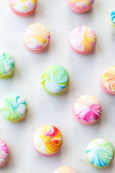 Well done Tessa Huff! These colourful Macrons look amazing! http://www.stylesweetca.com/…/marble-macarons-with-earl-gre…