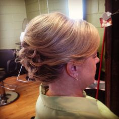 Updo on short hair for mother of the bride at The Prissy Hippie