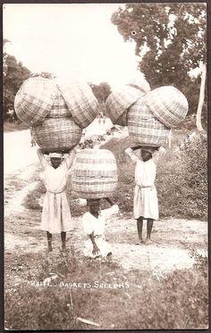 Haiti Vintage Ethnic Real Photo Postcard - Basket Sellers (unused)