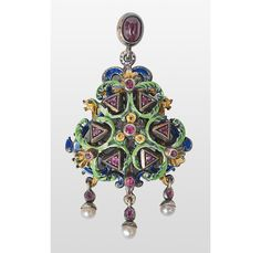 Renaissance revival style pendant, end of the 19th century with polychrome enamel, cultured pearls and rubes; silver