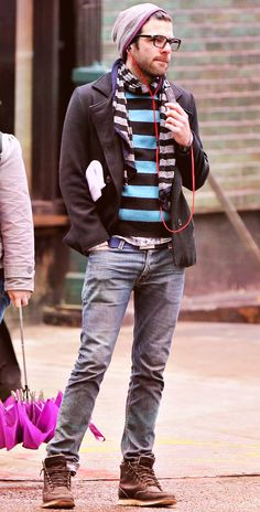 This is my favorite picture of Zachary Quinto With his casual clothes on, listening to some music :) i love this Miles Mcmillan, Star Trek Cast, Zachary Quinto, Just For Men, Chris Pine, Famous Men, Attractive Men, Casual Outfits, Casual Clothes
