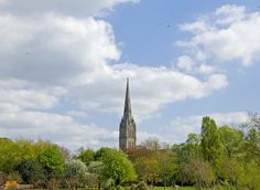 Photo-Constable: Salisbury cathedral on a sunny April day