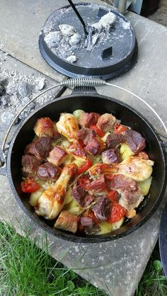 Peka, ein beliebtes Rezept mit Bild aus der Kategorie Schmoren. 6 Bewertungen: Ø 4,0. Tags: Geflügel, Gemüse, Hauptspeise, Osteuropa, Schmoren