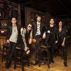 The future holds so much for us 5! Love you guys #AAFamily