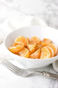 With just three ingredients, these delectable Honey-Cinnamon Oranges are the perfect snack to embrace the transition from summer to fall.#dairy-free#citrus#healthy#snacks Proper Nutrition, Health And Nutrition, Health Tips, Nutrition Data, Nutrition Chart, Nutrition Guide, Nutrition Articles, Best Diet Plan, Honey And Cinnamon