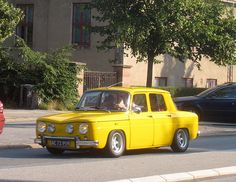 #Renault 8 French Classic, Classic Cars, Retro Cars, Vintage Cars, Clio Sport, Renault Nissan, Microcar, Limousine, Top Cars