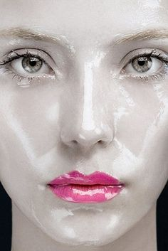 Glossy pink lips and glossy white face. Makeup Art, Beauty Makeup, Eye Makeup, Hair Makeup, Doll Makeup, Costume Makeup, Kreative Portraits, Extreme Makeup, Make Up Inspiration