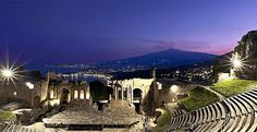 Insider tips for a perfect holiday in Sicily Taormina – The Greco-Roman Theatre. Sicily
