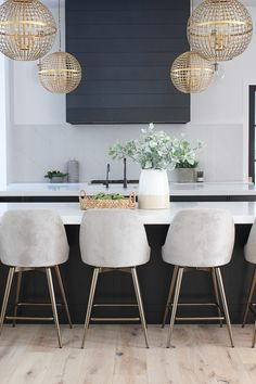 Modern Kitchen Stools We Promise You Will Not Be Disappointed At Home Decor Kitchen, Kitchen Furniture, New Kitchen, Kitchen Ideas, Eclectic Kitchen, Kitchen Inspiration, Modern Kitchen Design, Interior Design Kitchen, Kitchen Designs