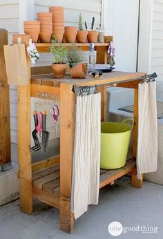 Merveilleux Potting Bench Makeover Iu0027d Prob Use Vinyl Shower Curtain W/plastic Rings U0026  Wood Dowel To Hold Up In Elements.