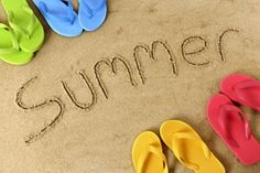summer / messages in the sand with flip flops