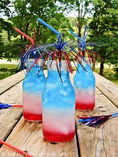BOMB POP DRINK Splash of grenadine 2 shots Bacardi Razz 2 shots Blue Curacao 2 shots Lemonade Fill glass w/ice. then Lemonade and Blue Curacao 4. Juli Party, 4th Of July Party, Fourth Of July, Patriotic Party, Non Alcoholic Drinks, Fun Drinks, Yummy Drinks, Drinks Alcohol, Party Drinks