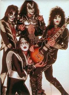 Kiss 1976 | Agua de gula: octubre 2012