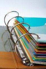 Qual é o tempo que se deve guardar os documentos? Antes de você dar uma geral nasuapapelada,ejogar alguns papéisnolixo,analise a validade dos documentos e guarde-os com carinhoem caixas oupastas com identificação, pois um dia você poderá precisar deles. Separei os documentos em categorias para ficar mais fácilpra você: VIDA FINANCEIRA –Documentos de Pessoa Física – […]