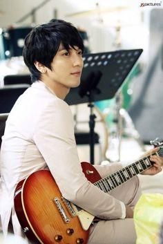 Jung Yong hwa cnblue i love this man he's the best Jung Yong Hwa, Lee Jung, Kang Min Hyuk, Lee Jong Hyun, Jung Hyun, Cnblue Yonghwa, Minhyuk, Asian Actors, Korean Actors