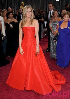 Jennifer Aniston w kreacji Valentino