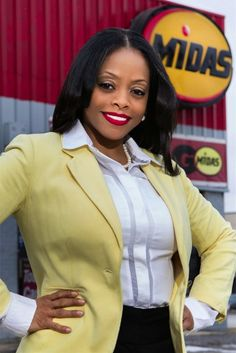 Andrea Brown Receives Woman Veteran Entrepreneur of the Year Award First female military veteran and first African American female to own a Midas franchise