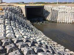 Protección contra la erosión canal aguas pluviales. Coatzacoalcos, Veracruz, México