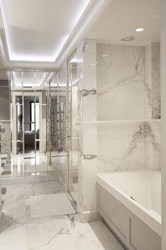 Lustrzana łazienka w jasnych barwach - Architektura, wnętrza, technologia, design - HomeSquare