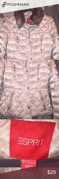 Espirit winter thin puffer coat Really cute winter jacket worn only 1 time ! Esprit Jackets & Coats Puffers