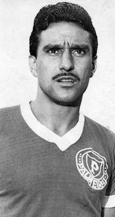 5° - Valdemar Carabina - 584 jogos entre 1954 e 1966