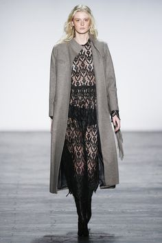 Vivienne Tam Fall 2016 Ready-to-Wear Collection Photos - Vogue