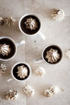 bourbon hot chocolate recipe with toasted meringues