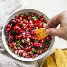 Cherry Pico de Gallo - This cherry pico de gallo is an easy sweet twist on your favorite fresh salsa. Its great with chips or on top of grilled meats! Ropa Vieja Slow Cooker, Lebanese Chicken, Whole 30 Meatballs, Parsnip Puree, What Are Organic Foods, Fresh Salsa, Grilled Meat, Short Ribs, Beef Dishes