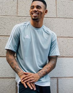 🤤⚽️ - 🤤⚽️ — gabriel jesus 📷 Source by gabygzuis Gabriel, Soccer Players, Football Soccer, Zen, Jesus Wallpaper, City Logo, Jesus Birthday, Sports Wallpapers, My Boys