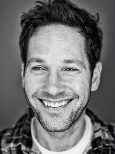Paul Rudd? Yes, please! It's his eyes and his smile that make me melt. Plus he's darn funny :)