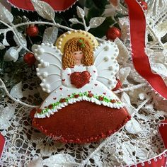 Gingerbread valentine angel cookie