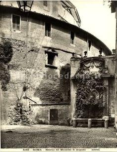 L'esterno del mausoleo di Augusto con l'auditorium