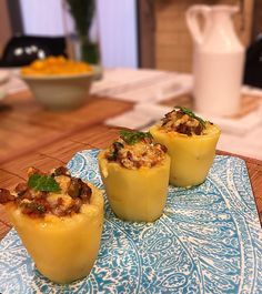 Veja a receita completa da Batata Bolonhesa no site do Canal Sony! I Love Food, Finger Foods, Sushi, Food And Drink, Low Carb, Favorite Recipes, Eat, Chefs, Cooking