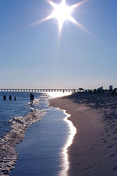 Starbright Sunlight, Pensacola Beach, Santa Rosa Island | Flickr - Photo by Gloria Manna