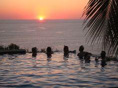 Top 5 places to enjoy sunset in Santa Teresa